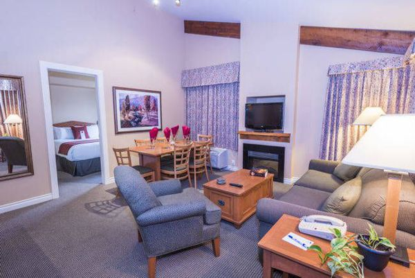 Pemberton Hotel 2 Studio Suites
