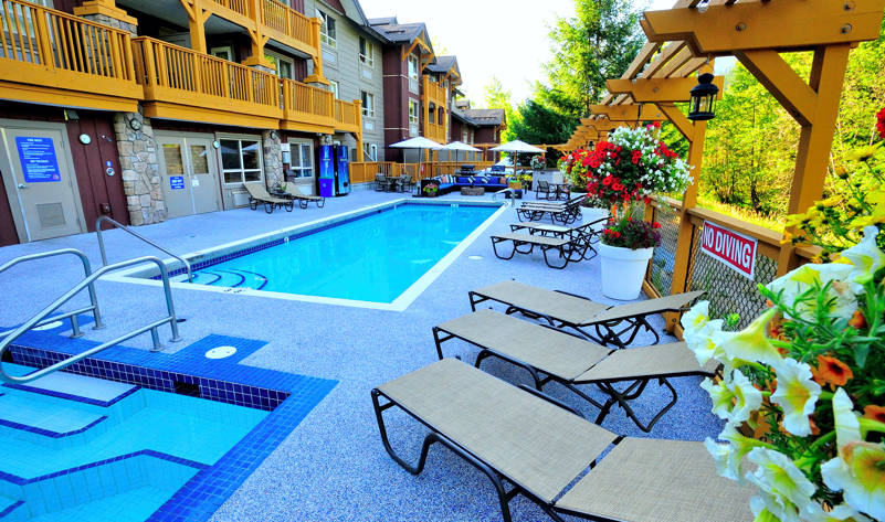 Pemberton Hotel Swimming Pool Hot Tub Pemberton Bc